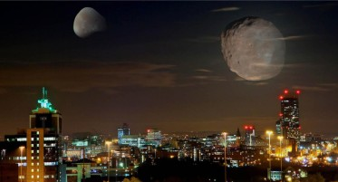 cropped-two-moons-over-mcr.jpg